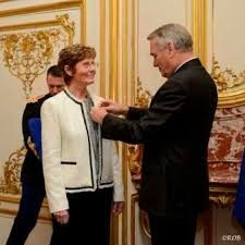 Claire Héber-Suffrin, founder of the RERS, was awarded the Légion d'Honneur in 2013 for her initiative and indefatigable work in encouraging and nurturing the idea of reciprocity in learning. Source: RERS de Concarneau, www.rerskonkerne.canalblog.com